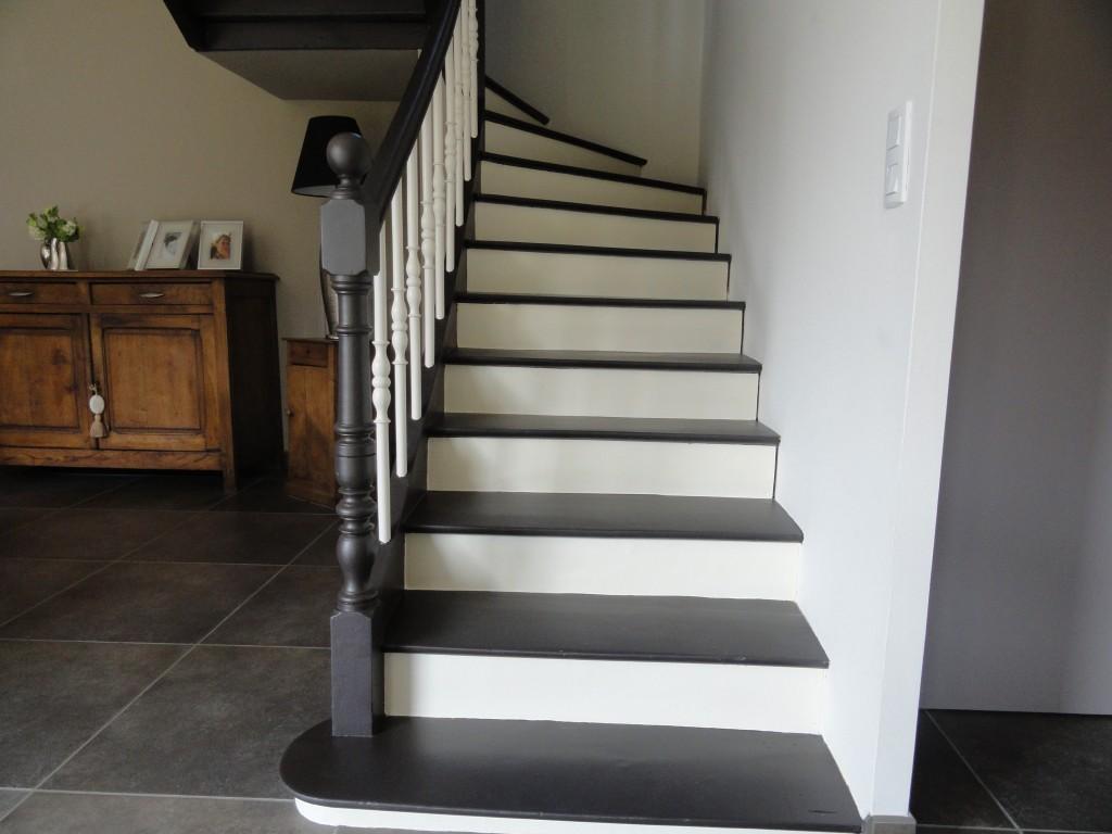 Comment peindre des escaliers en marbre nos astuces for Peinture pour escalier en bois sans poncer