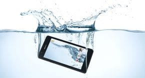 smartphone tombe eau