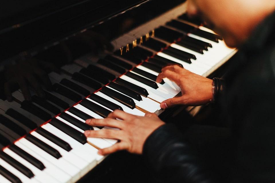 Faire du piano